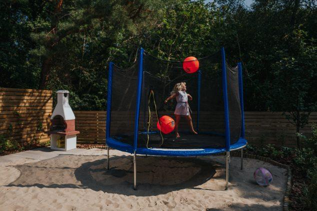 trampolina grill plac zabaw
