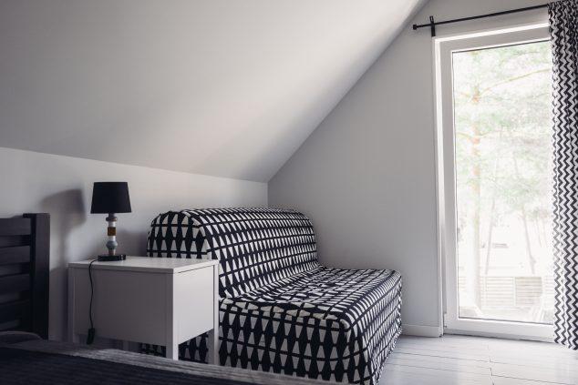 fotel rozkłdany w sypialni